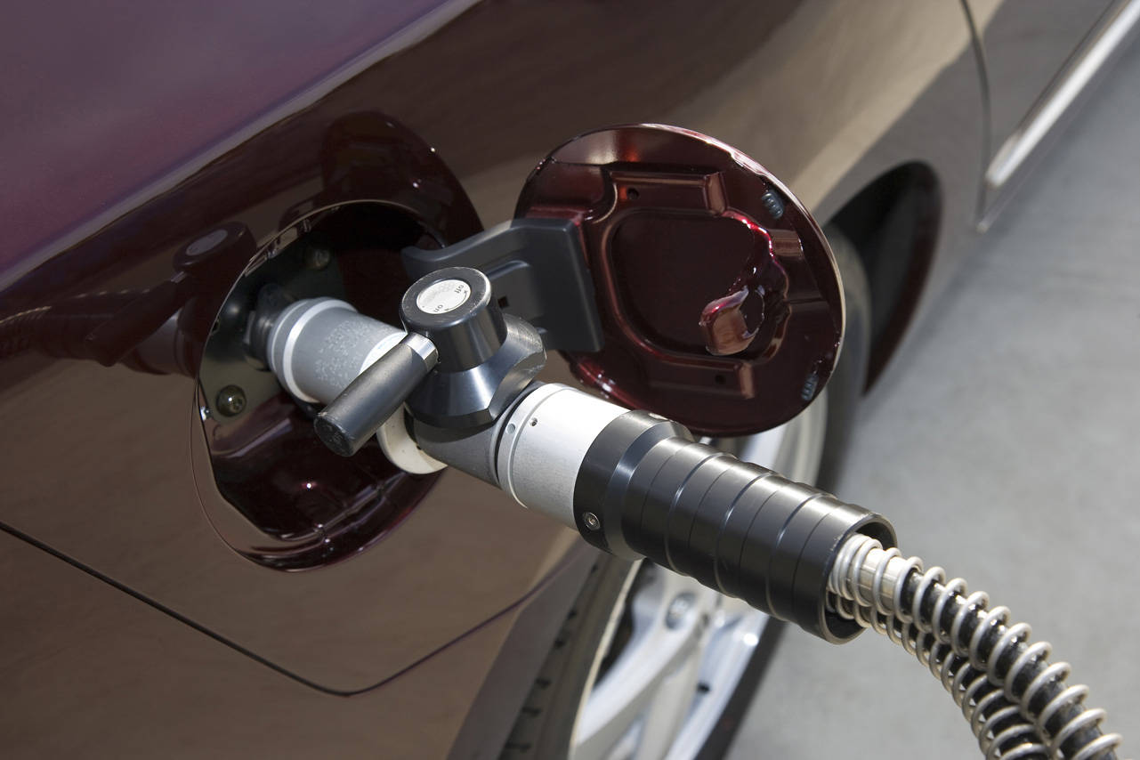 Качество автомобильного газа улучшилось, но многие грешат «недоливом»