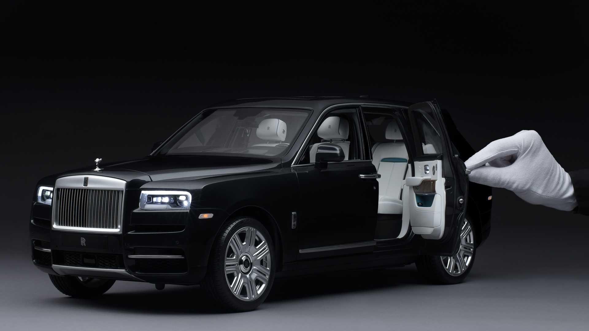 Самый дешевый Rolls-Royce Cullinan продают по цене Дастера