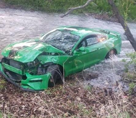Новенький Ford Mustang утопили через три дня после покупки