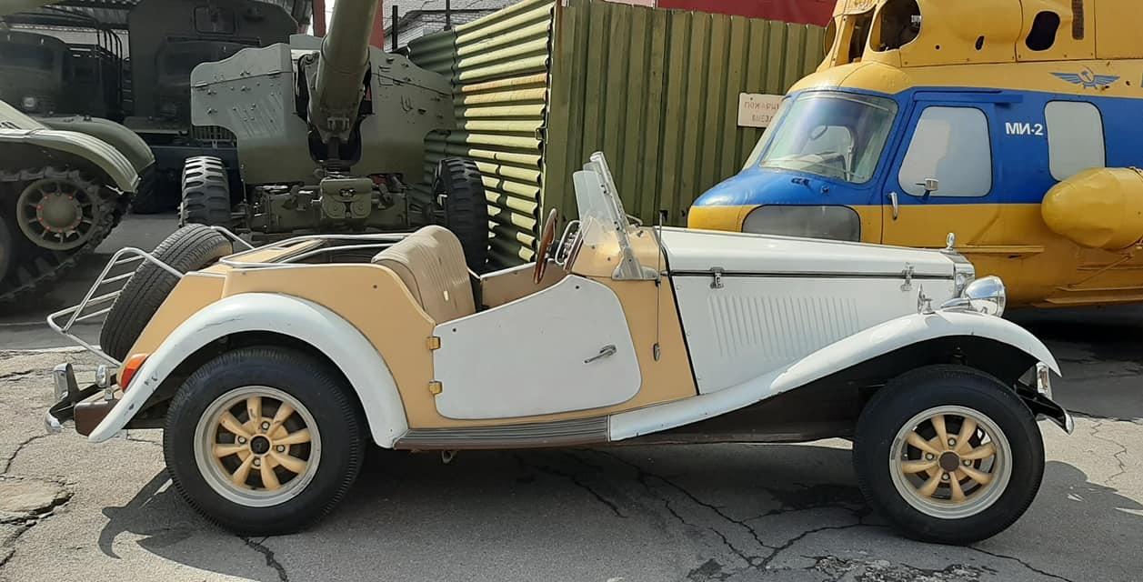 В Украине появился культовый британский спорткар 50-х