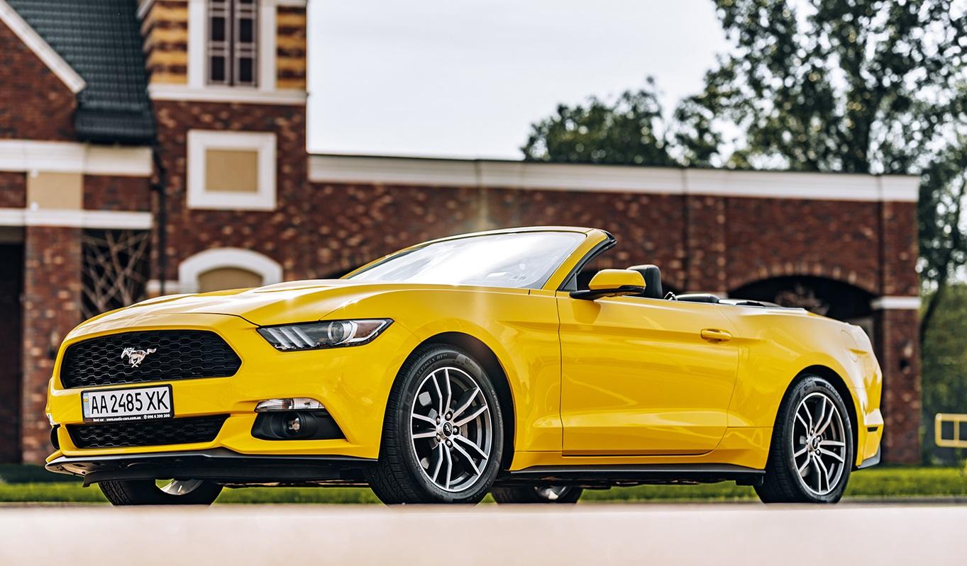 Антикарантинный тест-драйв кабриолета Ford Mustang (видео)