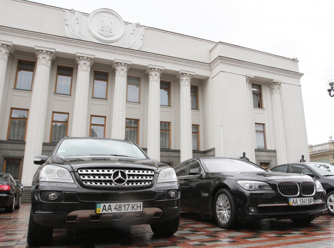 Какие авто числятся в парке Верховной Рады и Кабмина