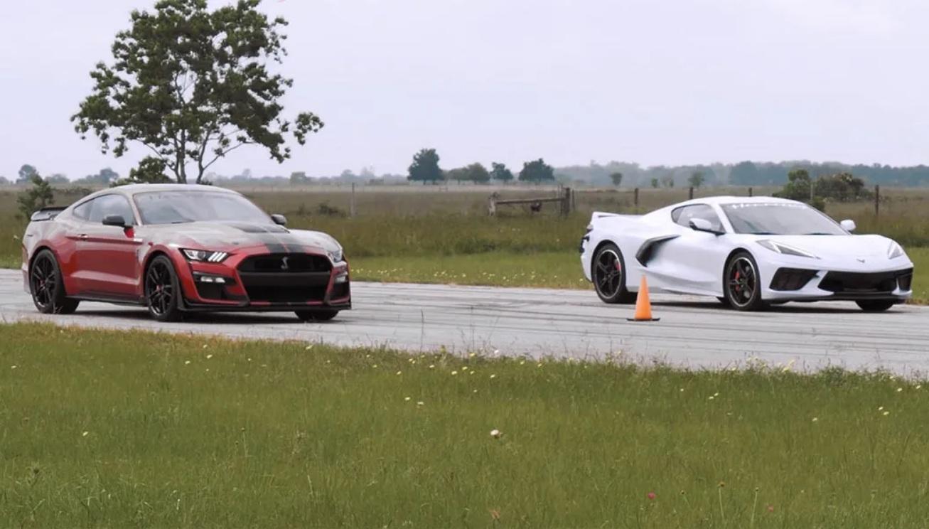 Самые крутые американские авто сравнили в драгрейсинге (видео)
