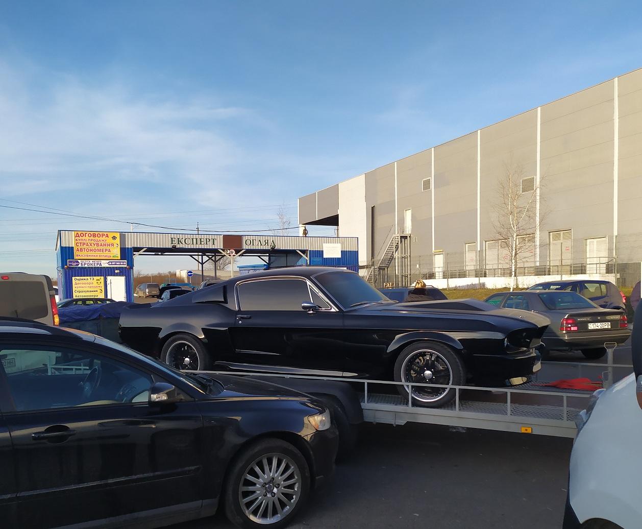 В украинском областном центре засняли культовый американский авто 60-х
