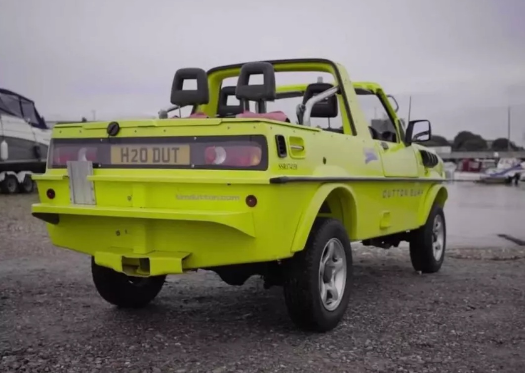 Новый Suzuki Jimny превратили в оригинальную амфибию