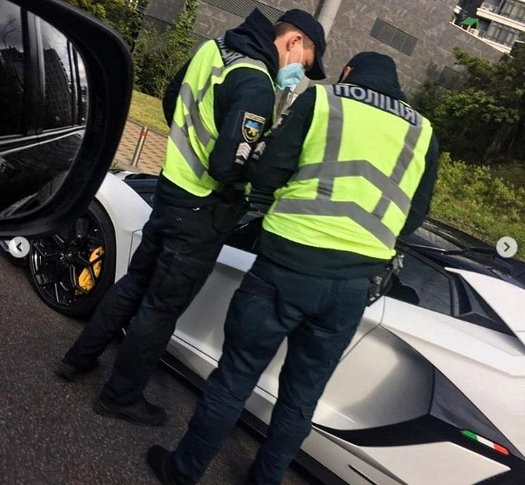 Киевская полиция остановила нерастаможенный суперкар за 650 тысяч евро