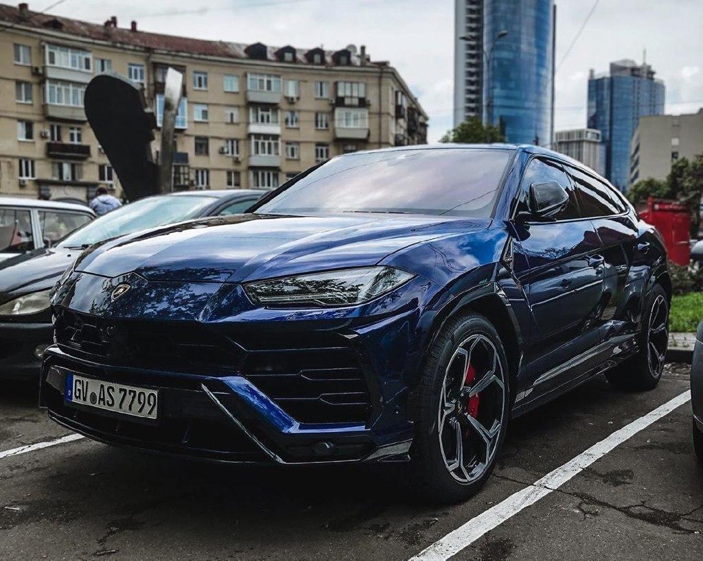 В Украине заметили дорогой Lamborghini на еврономерах