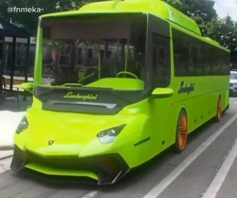 Народные умельцы скрестили маршрутку и Lamborghini (видео)