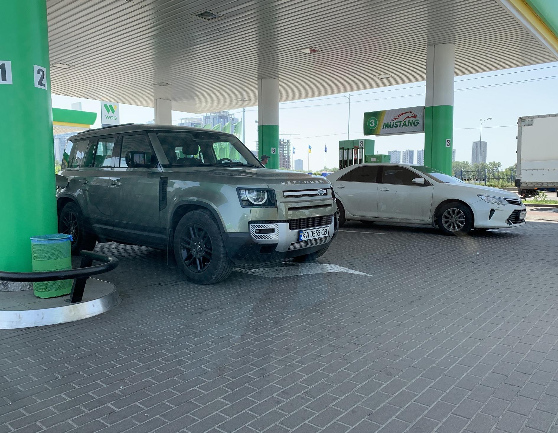 В Украине заметили новый Land Rover Defender 2020