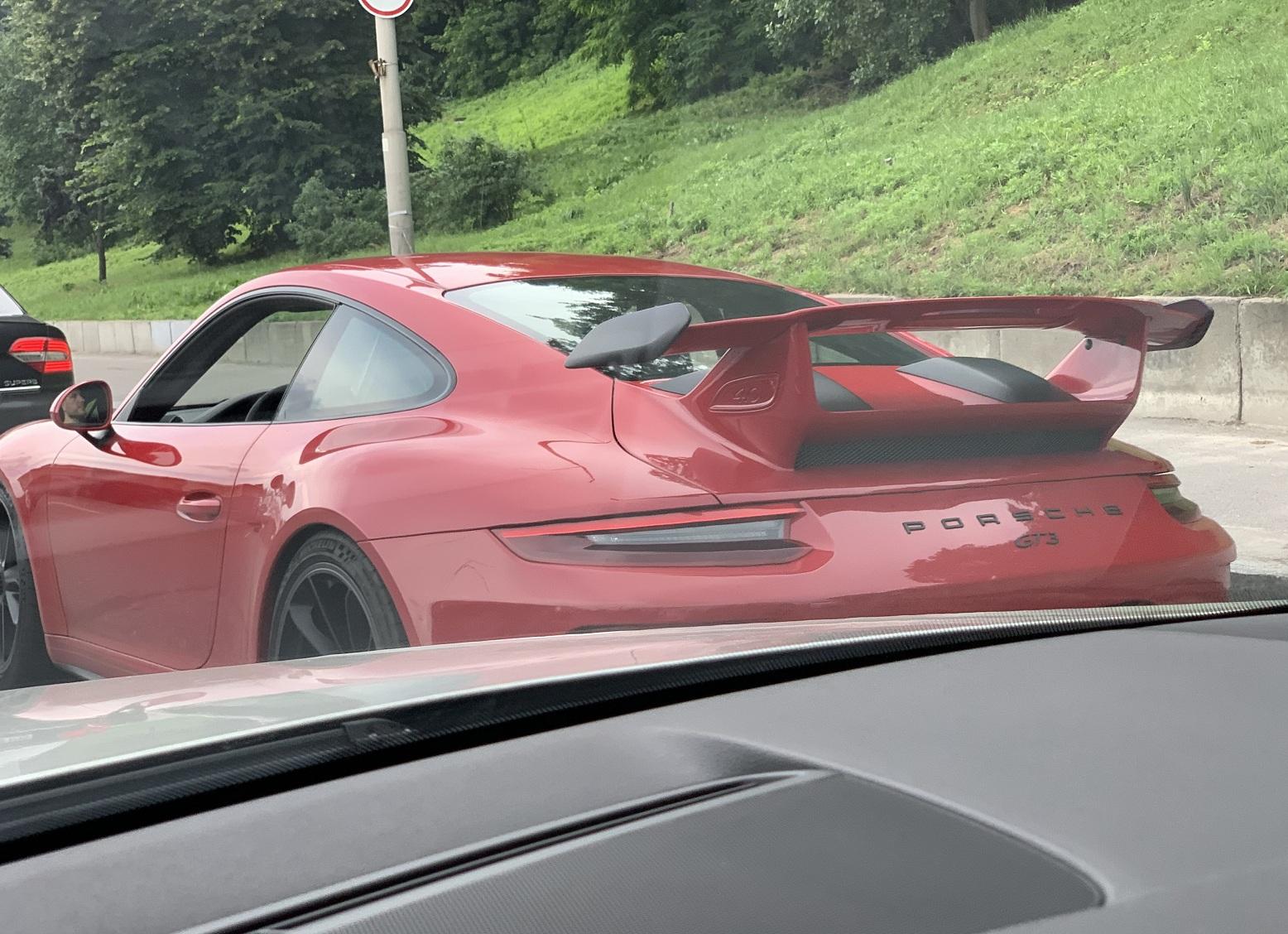 В Киеве заметили самый экстремальный спорткар Porsche 911