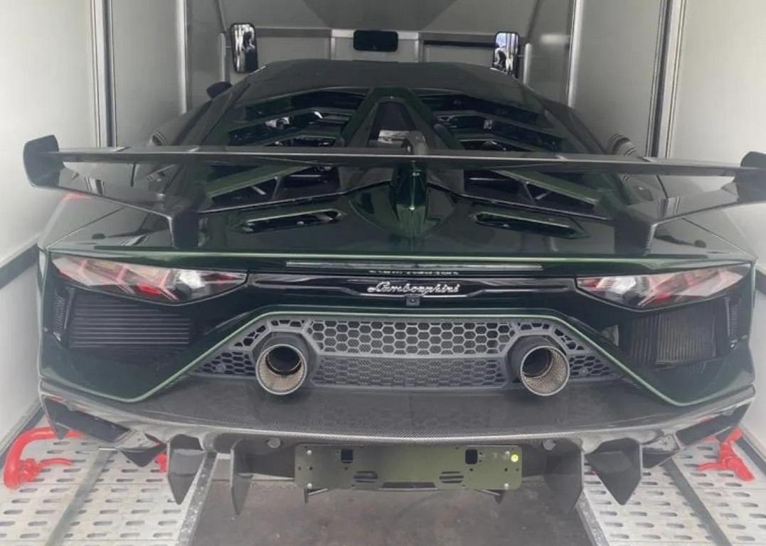 В Украину привезли эксклюзивный сверхскоростной суперкар Lamborghini