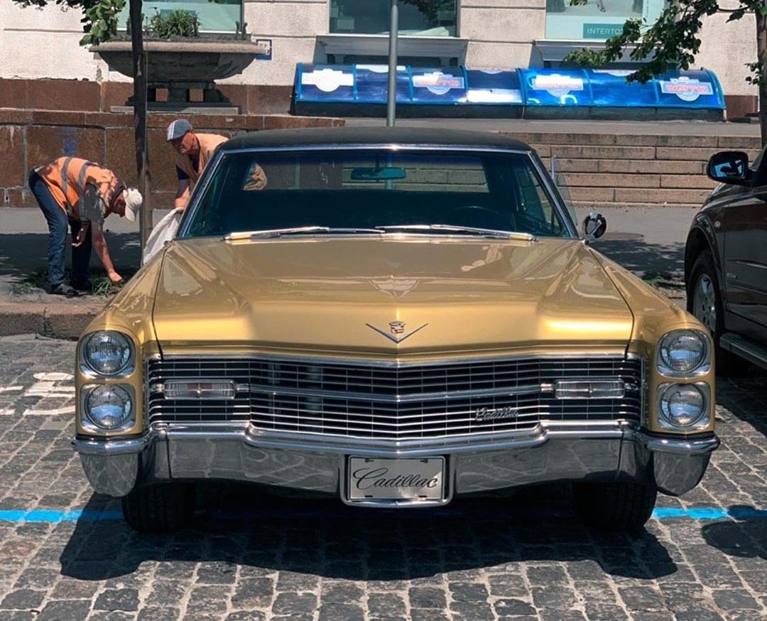 В Украине засняли культовый роскошный Cadillac 60-х