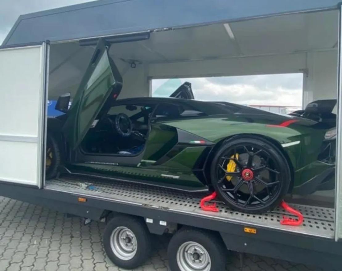 В Украине появился самый крутой суперкар Lamborghini за 18 миллионов