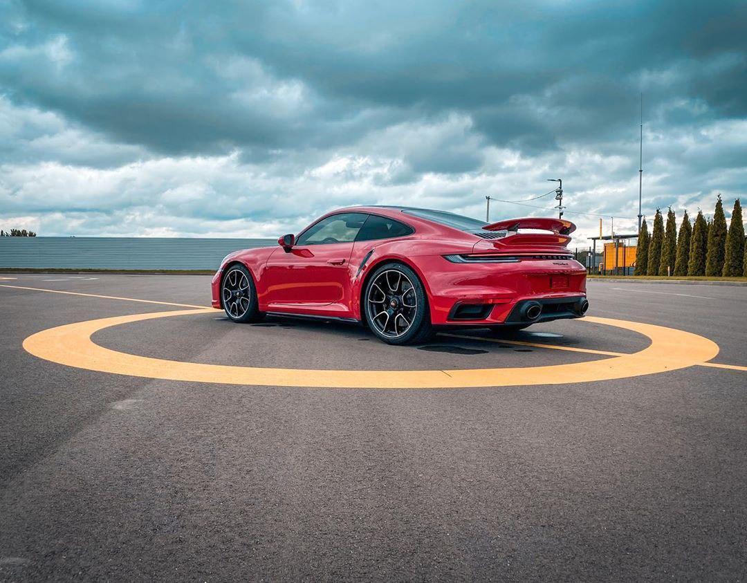 В Украину приехал новейший Porsche 911 Turbo