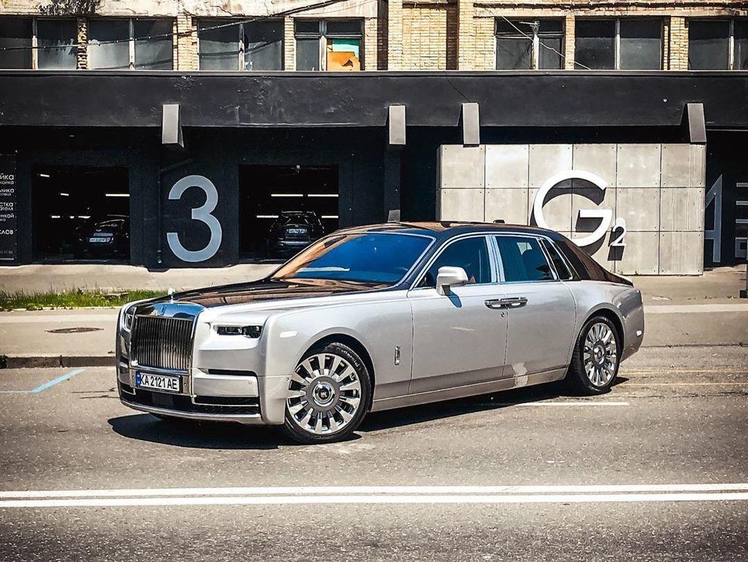 В Украине появился новейший роскошный Rolls-Royce за 16 миллионов