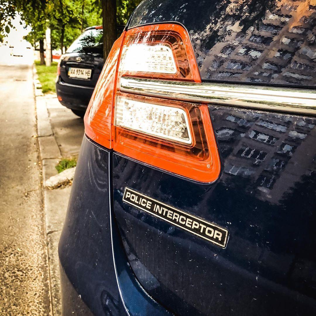 В Украине засняли необычный полицейский авто из США