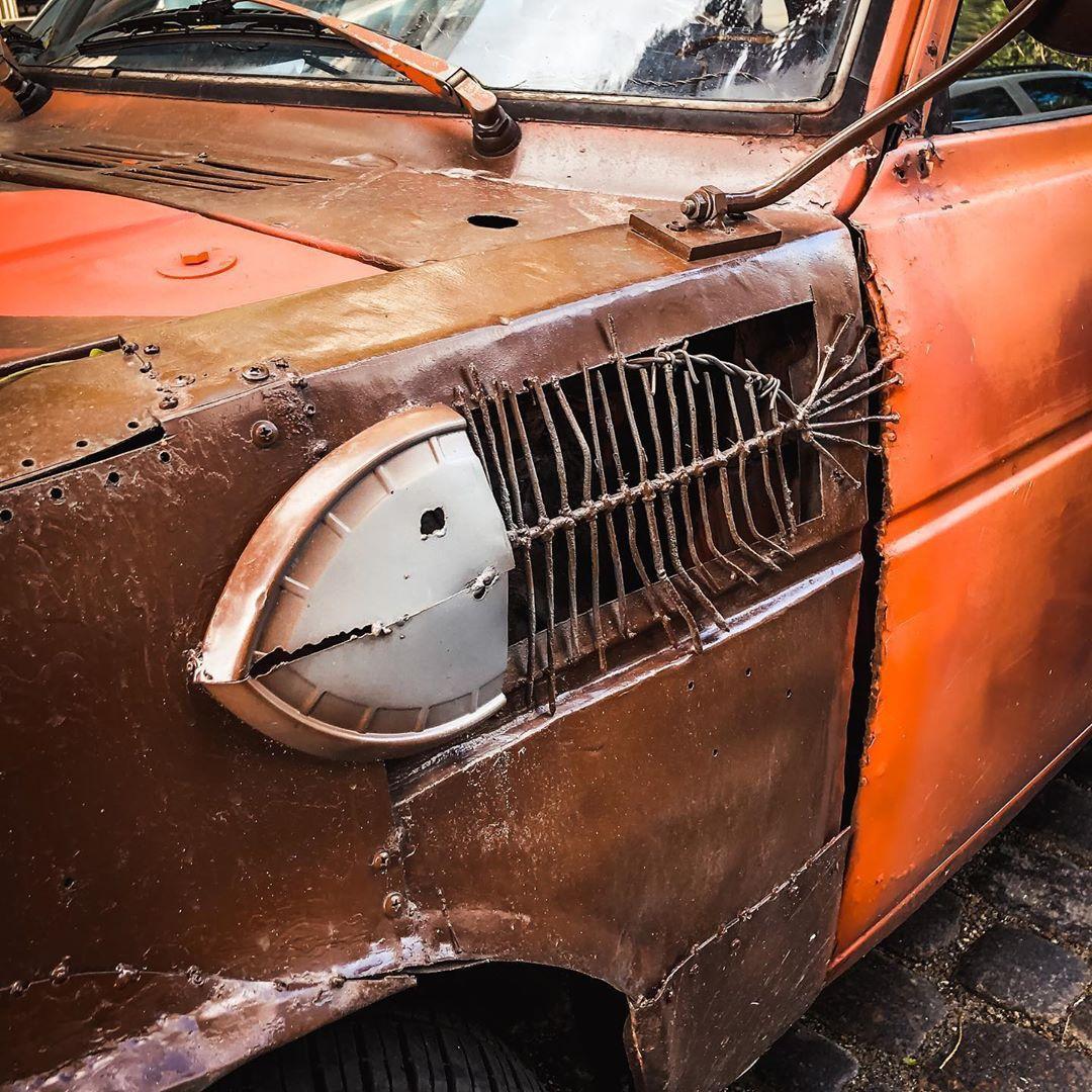 В Украине заметили редкую Toyota с очень нестандартным тюнингом