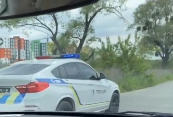 В Украине засветился крутой полицейский кроссовер BMW