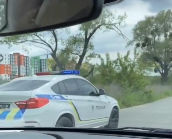 В Украине засветился крутой полицейский кроссовер БМВ