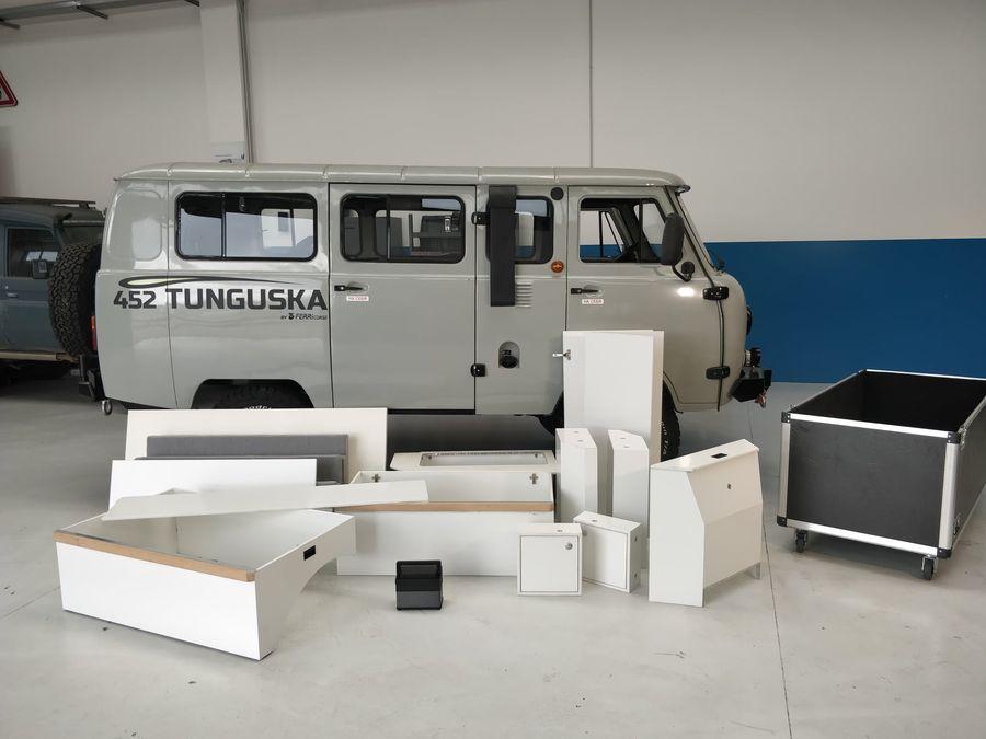 Итальянцы превратили УАЗ Буханку в самодельный дом на колесах
