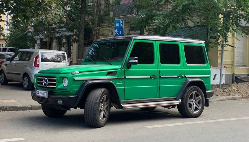 Киевский герой парковки оказался известным депутатом