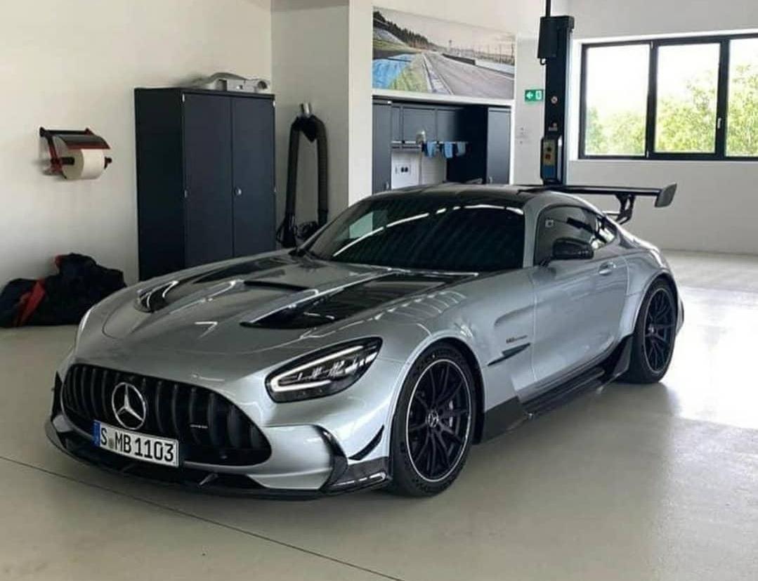 Фото и подробности самого экстремального Mercedes-AMG