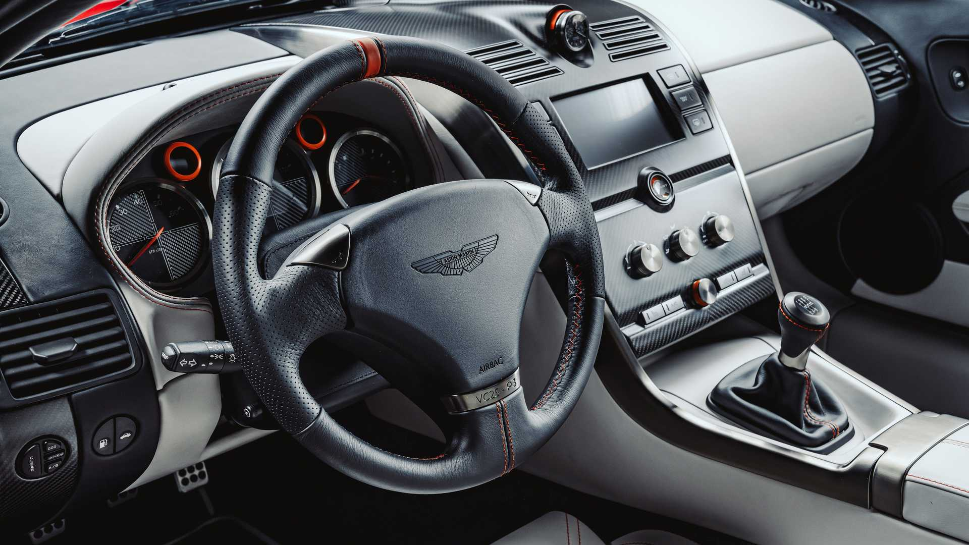 Знаменитый 20-летний суперкар Aston Martin вернули в производство