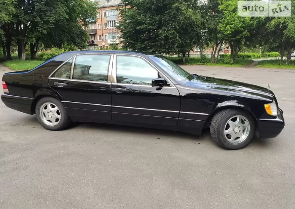 В Украине обнаружен идеальный 20-летний Mercedes S-Class W140