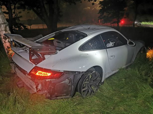 Школьник разбил редкий трековый спорткар Porsche