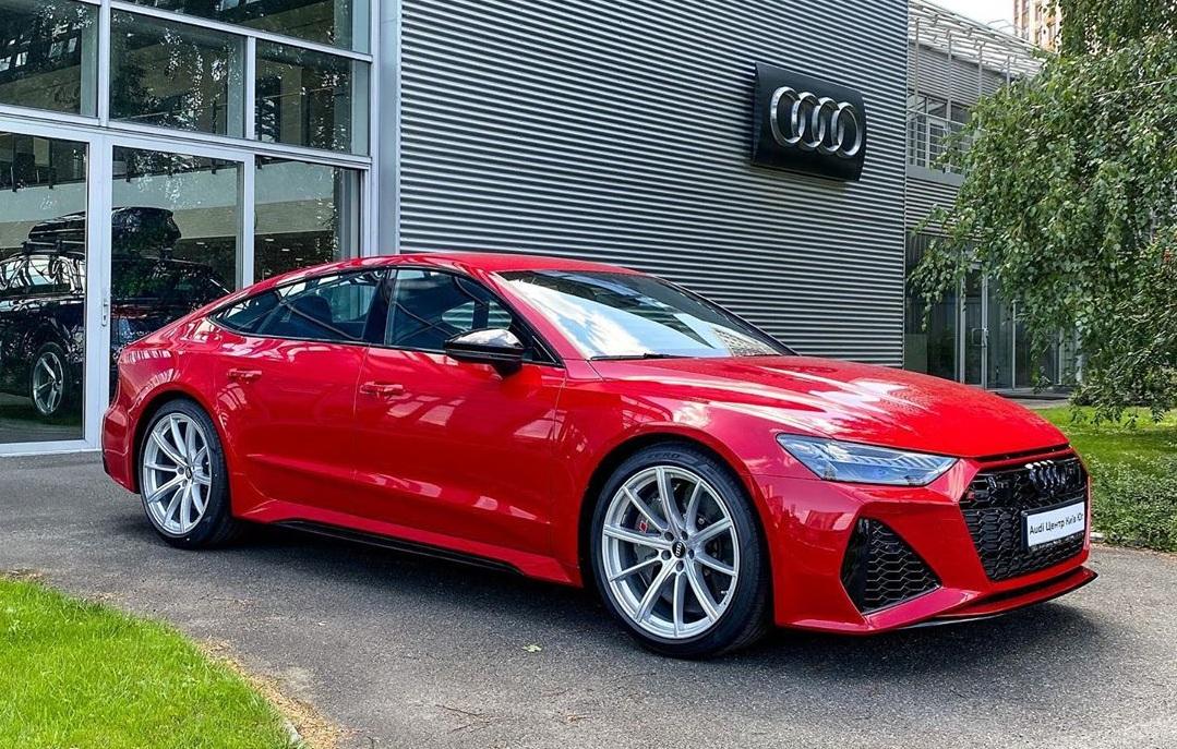 В Украине появился новейший заряженный Audi за 3 миллиона