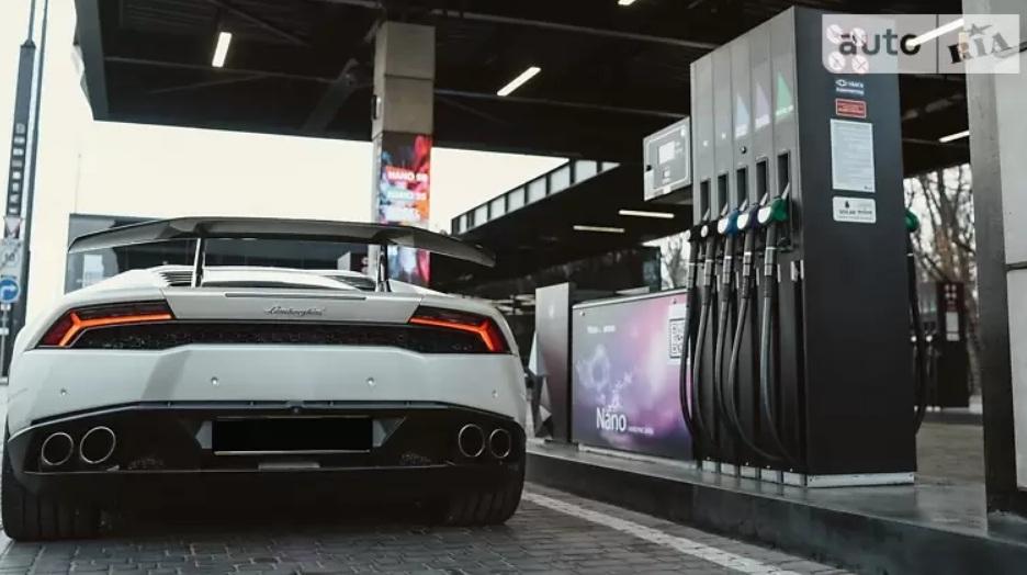 Украинец продает 1000-сильный тюнингованный суперкар Lamborghini