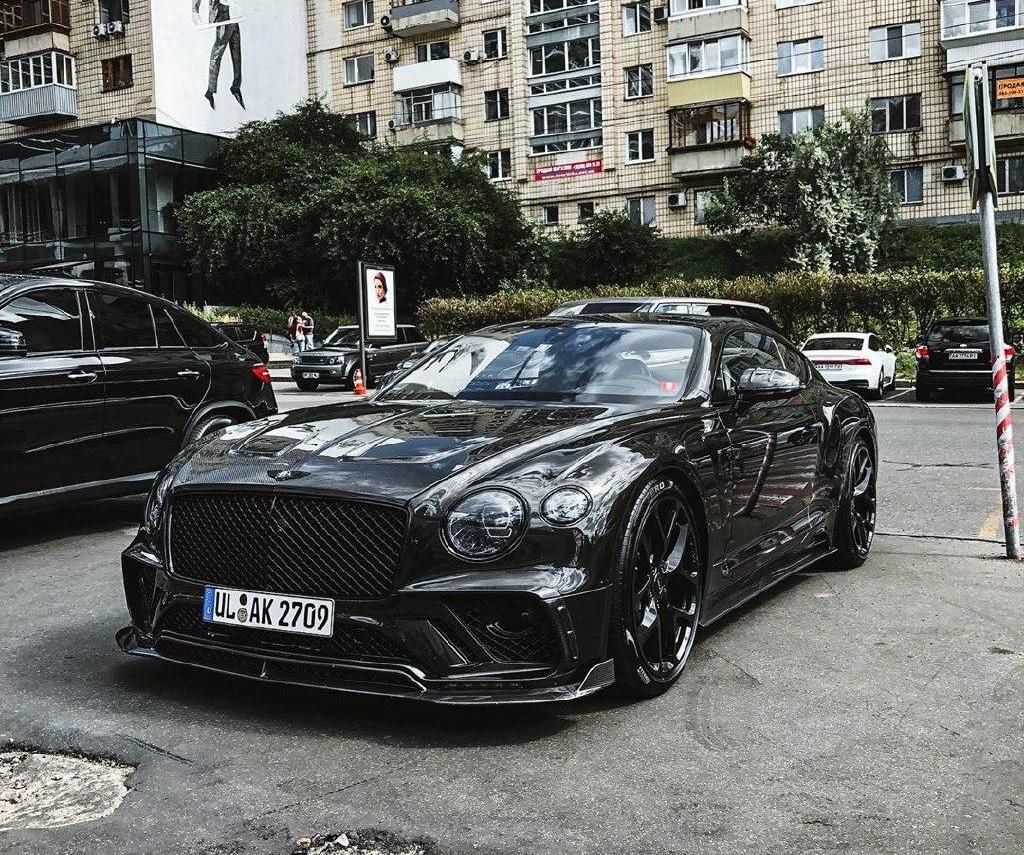 В Украине засветился впечатляющий тюнингованный Bentley на еврономерах