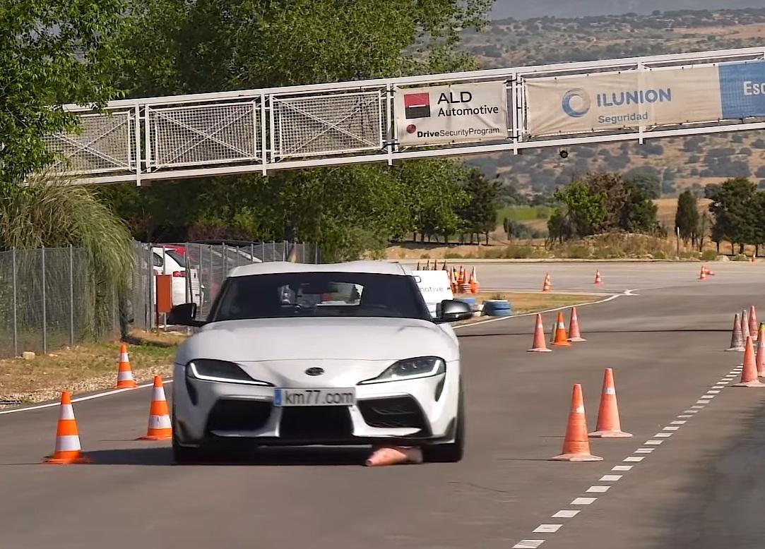 Новая Toyota Supra провалила лосиный тест (видео)