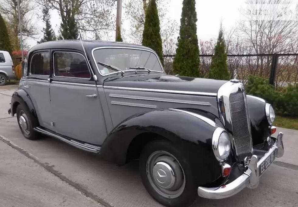 В Украине продают редчайший Mercedes 50-х с интересной историей