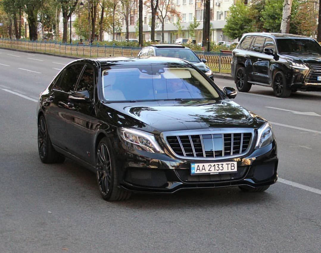 В Украине заметили сверхмощный Mercedes Brabus за полмиллиона долларов