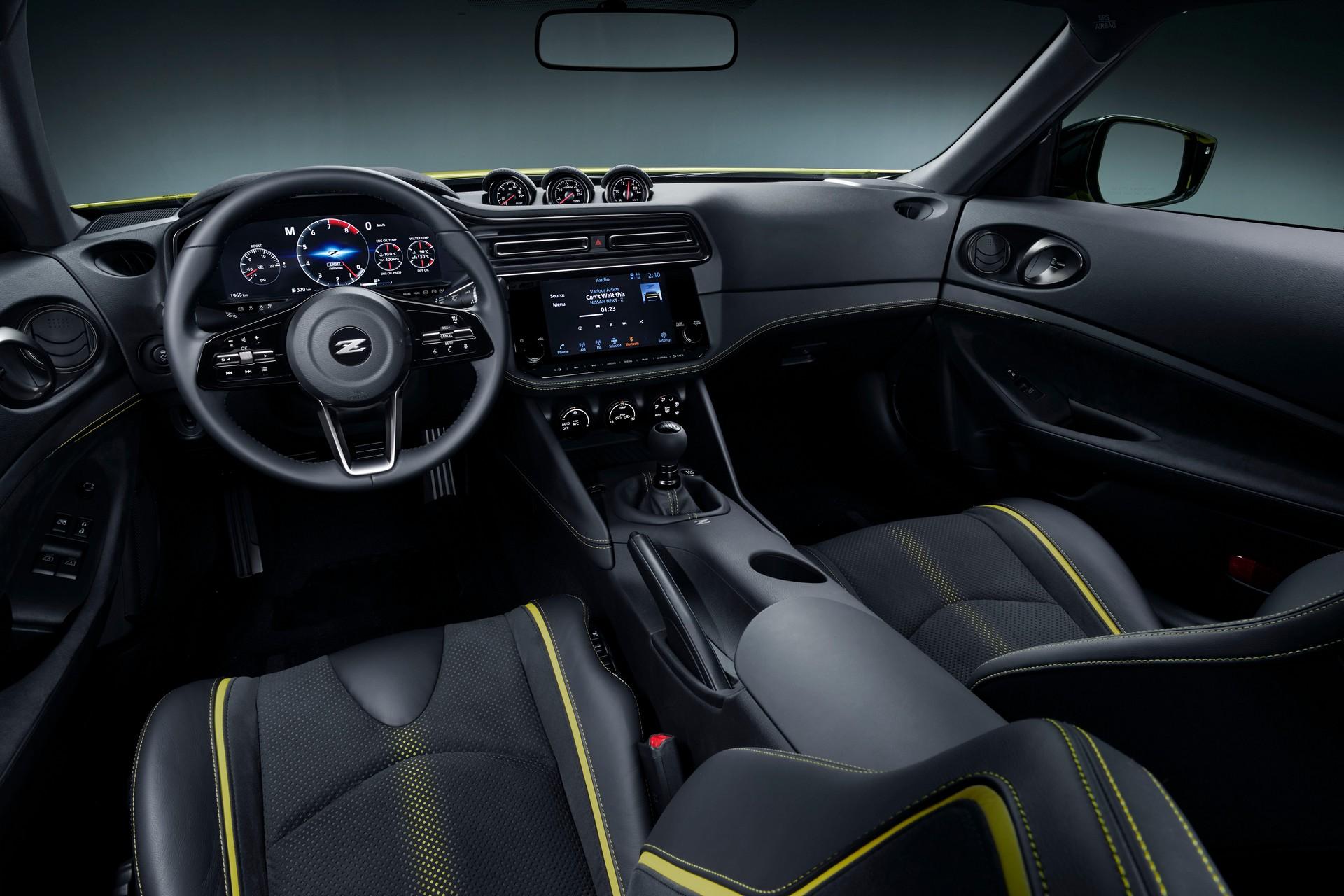 Фото и подробности нового купе Nissan Z