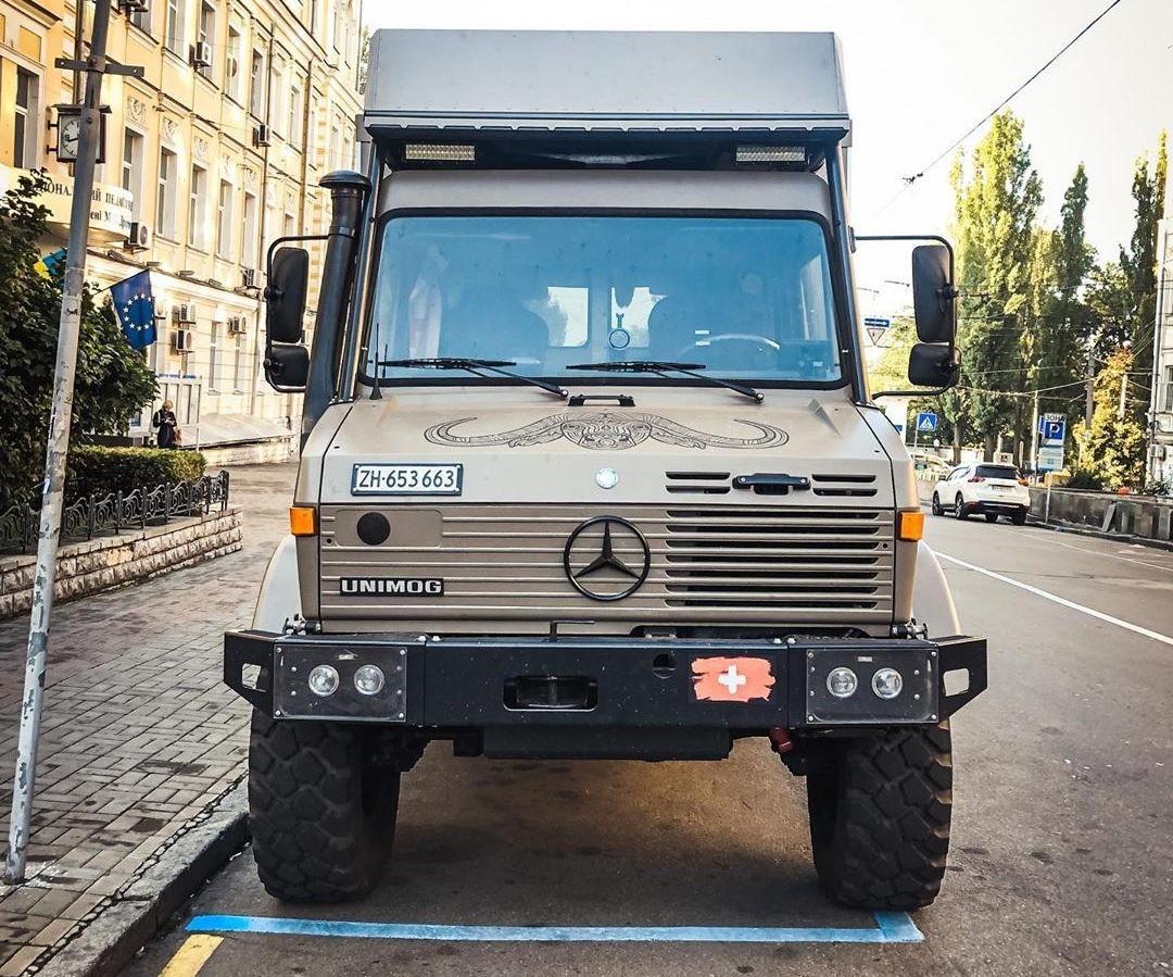 В Киеве заметили крутой грузовик для экстремальных путешествий