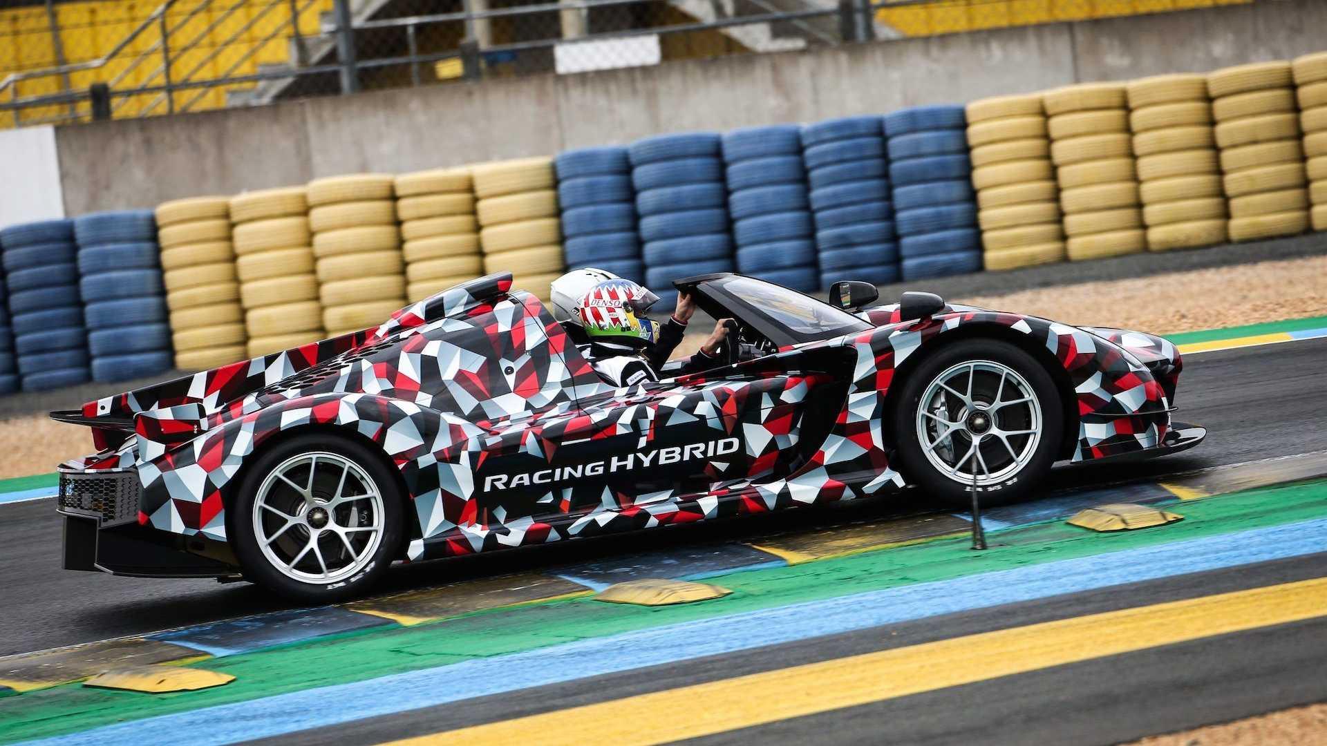 Живые фото и подробности первого суперкара Toyota