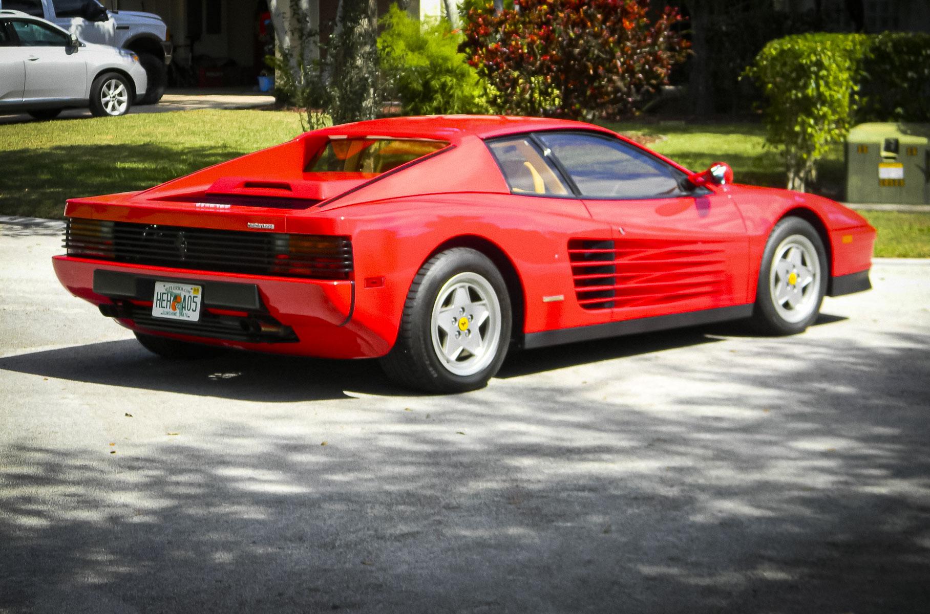 Обнаружен легендарный 30-летний суперкар Ferrari почти без пробега