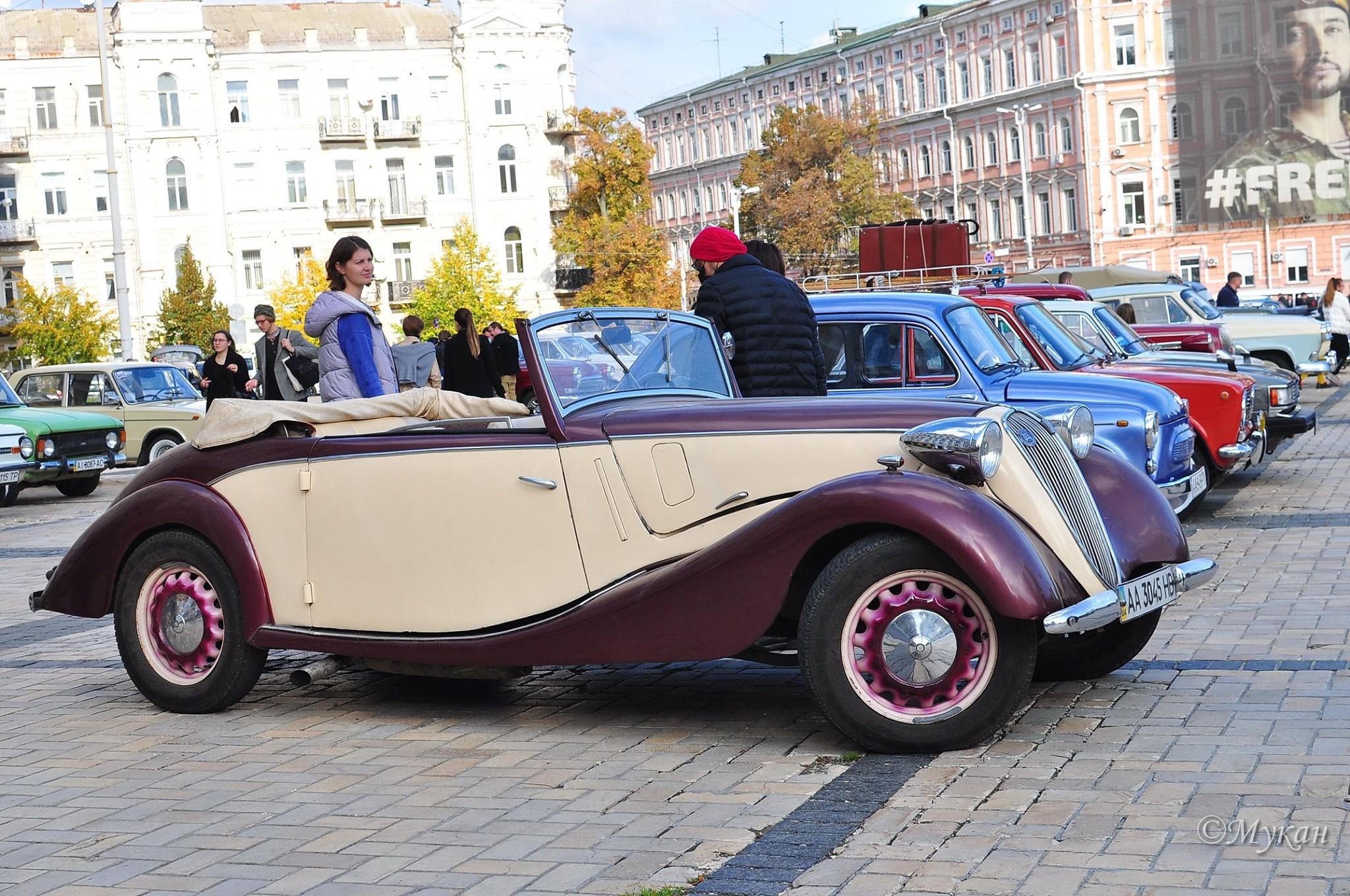 У Києві з розмахом відзначили День автомобіліста
