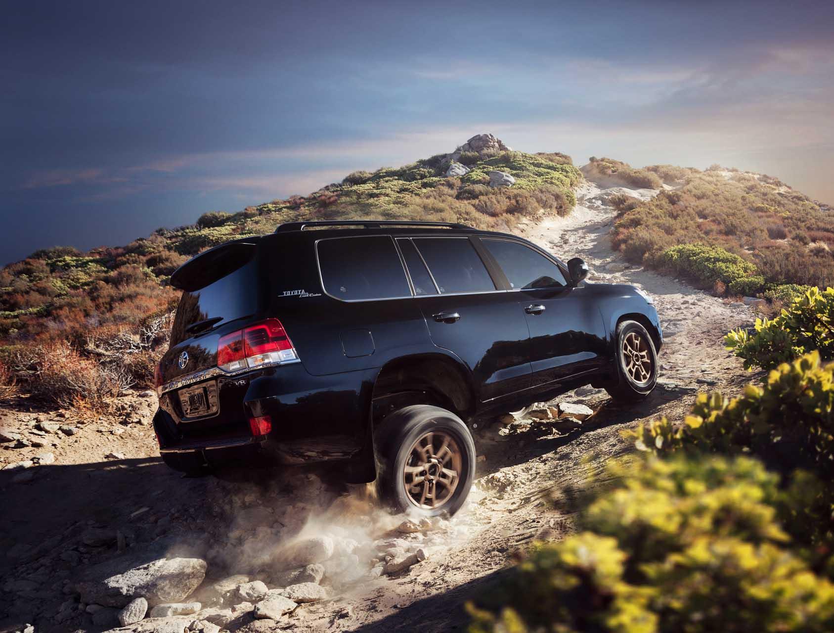 Toyota Land Cruiser 2021 – подробный обзор нового внедорожника