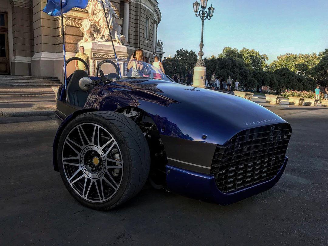 В Украине выставили на продажу эксклюзивный 1-местный спорткар