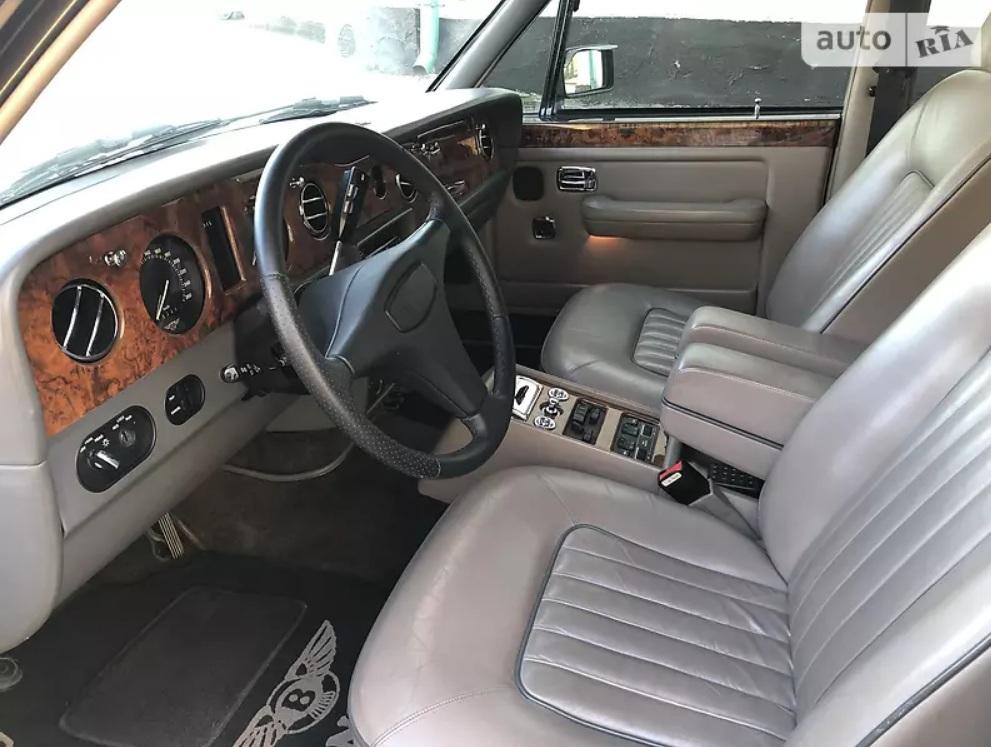 В Украине продают редкий Bentley по цене новой Шкоды