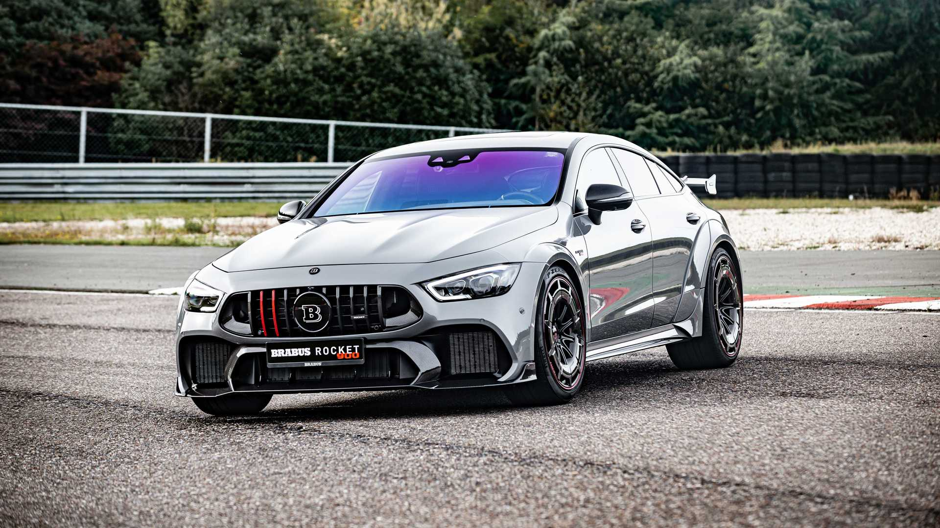 Представлен самый быстрый и самый крутой Mercedes Brabus