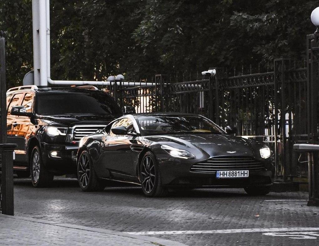 В Украине появился крутой суперкар Aston Martin