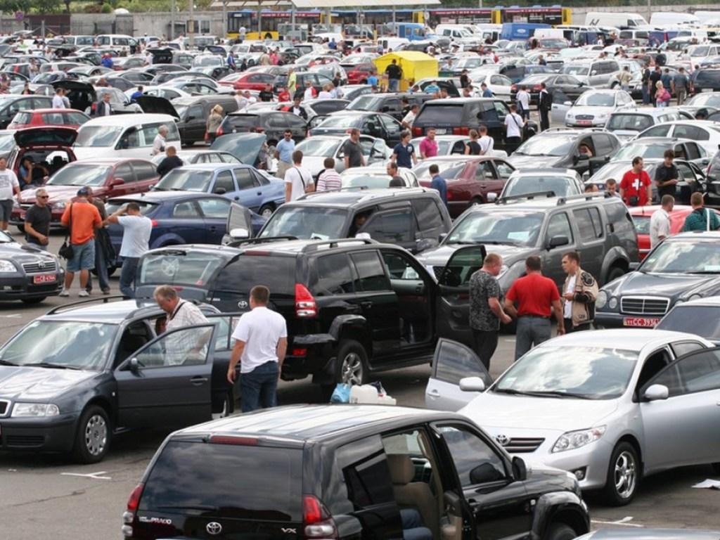 Продажи б/у авто в Украине показали рекордный рост