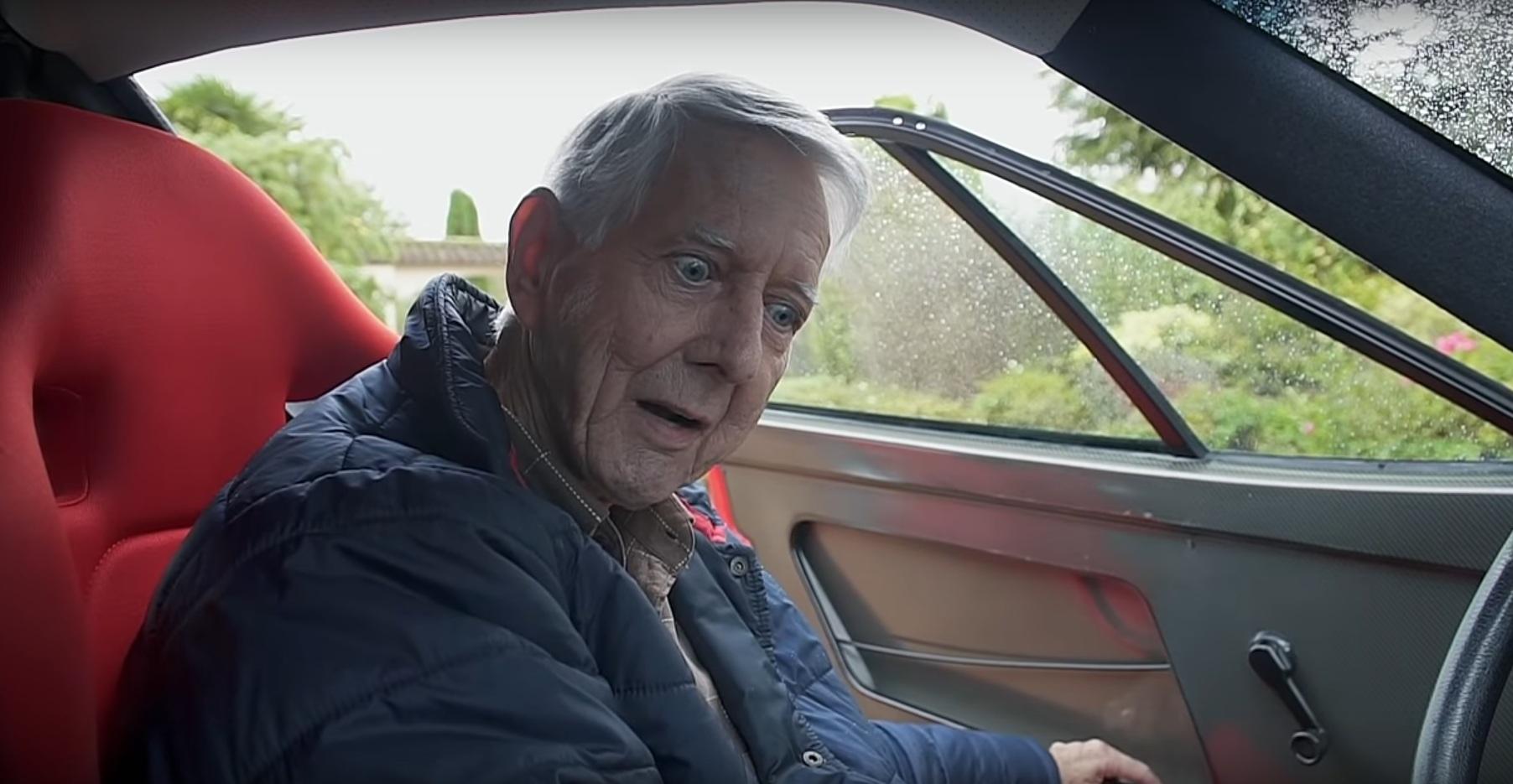Дедушка удивил впечатлящей коллекцией экстремальных суперкаров (видео)