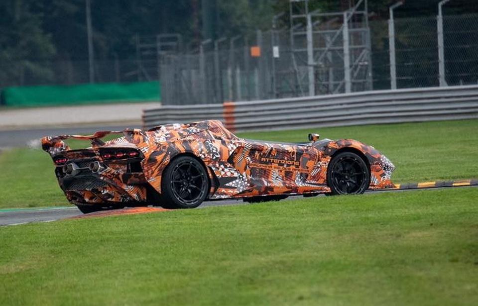Первое фото самого экстремального Lamborghini без лобового стекла