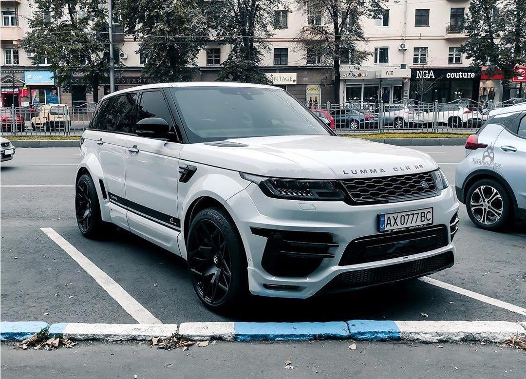 В Харькове заметили крутой тюнингованный Range Rover