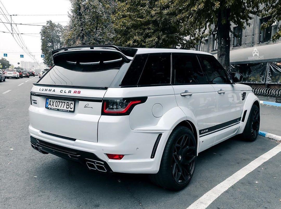 В Украине заметили крутой тюнингованный Range Rover